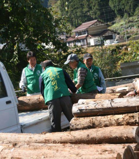 森の恵み 原木・薪販売 もくもく市場開催